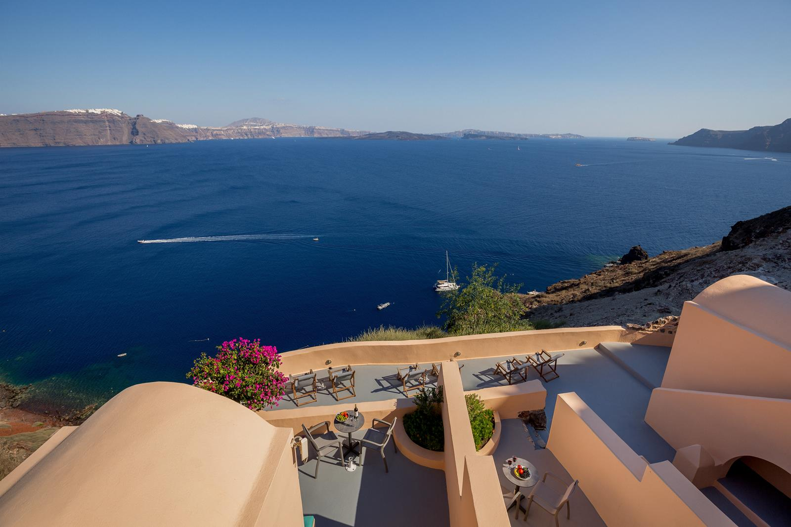accommodation oia santorini | Aeifos Traditonal Houses